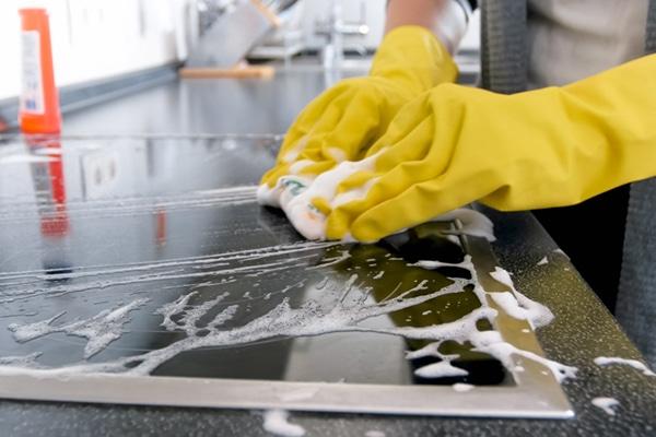 طريقة تنظيف المطبخ