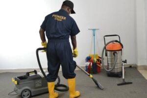 تنظيف المنزل يوميا